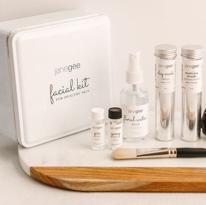 Mother's Day Gift Guide | Janegee Facial Kit.