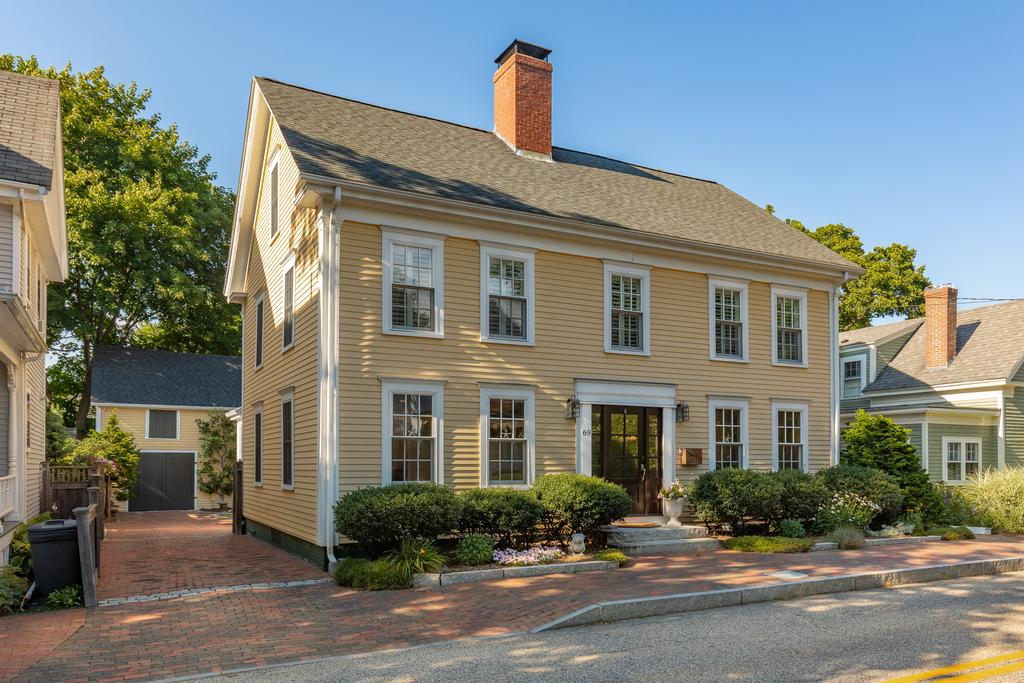 Seacoast Dwellings Liz Levey Pruyn Real Estate Portsmouth New Hampshire
